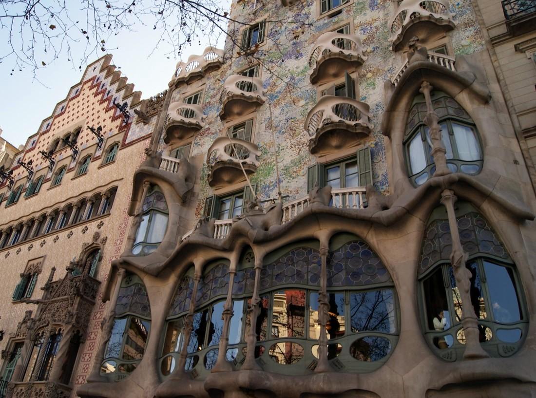 Maison de gaudi dtail p1100920 barcelone casa batll - La maison barcelona ...